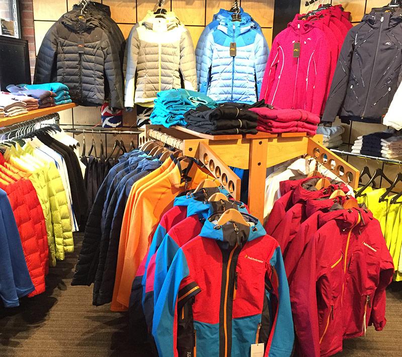 ski-wear-shopping